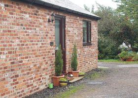1 Pines Farm Cottages