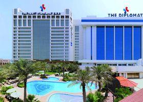 فندق دبلومات راديسون بلو ريزيدنس آند سبا