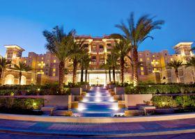 ﻣﻨﺘﺠﻊ ومارﻳﻨﺎ ذا ويستن دبي شاطئ الميناء السياحي