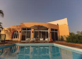 فندق و فيلات رويال سافوي