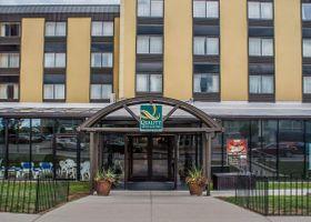 فندق وأجنحة كواليتي ات ذا فولز