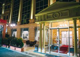 Emerald Suite Hotel