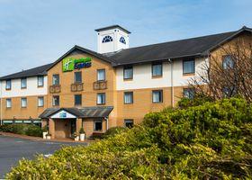Holiday Inn Express Swansea - East