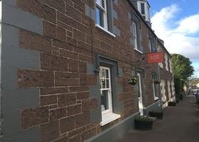 Lovat House Bed and Breakfast