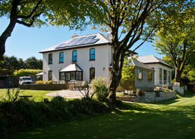 Pendragon Country House