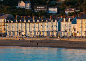 Gwesty Marine Hotel