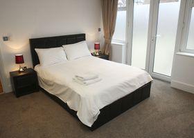 2 Bed Apt in Chorleywood. Near Station