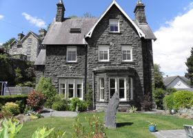 Ffynnon Townhouse