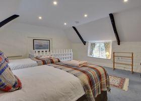 Lew Quarry Cottage