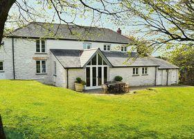 Luxury 5-star farmhouse near the Cornish coast on the Bonython Estate, Lizard Peninsula