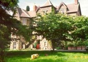 Brynhonddu Country House B&B