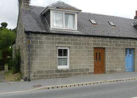 Highland Holiday Homes - Elm Cottage