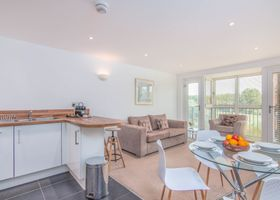 Executive Stansted Airport Apartment