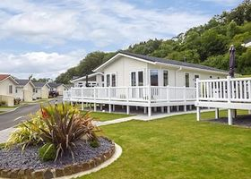 Cwtch Lodge 42