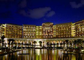 فندق ذا ريتز كارلتون أبو ظبي، القناة الكبرى