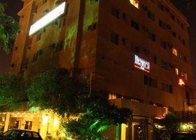 فندق المنصوري مانشنز