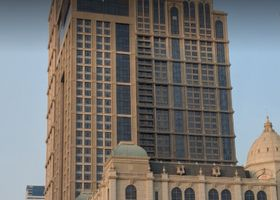 في هوتل دبي، كوريو كوليكشن باي هيلتون