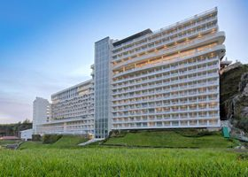 Le Eminence Hotel Convention & Resort Ciloto Puncak
