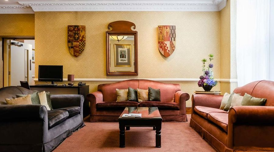 Hotel Henry VIII-5 of 26 photos