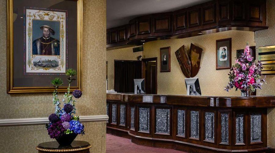 Hotel Henry VIII-1 of 26 photos
