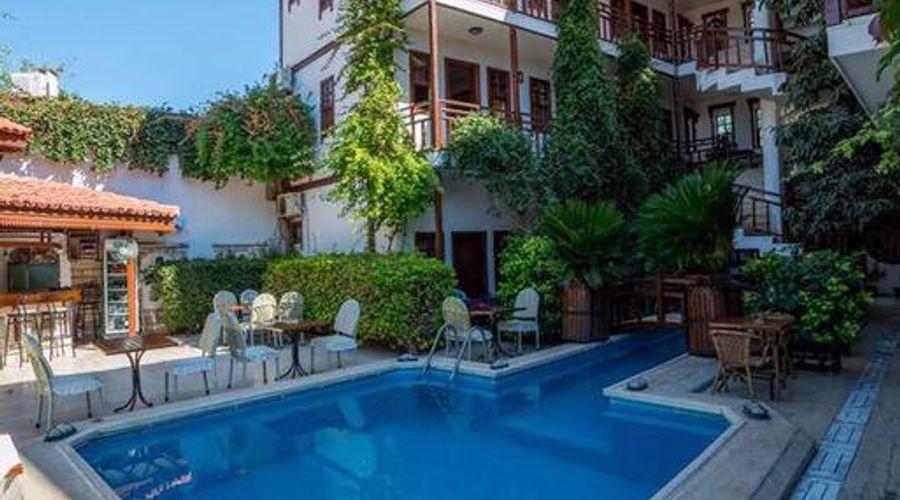 Hotel Karyatit-9 of 39 photos