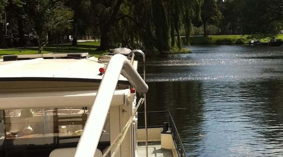 Dutch Canal Boat-14 من 19 الصور