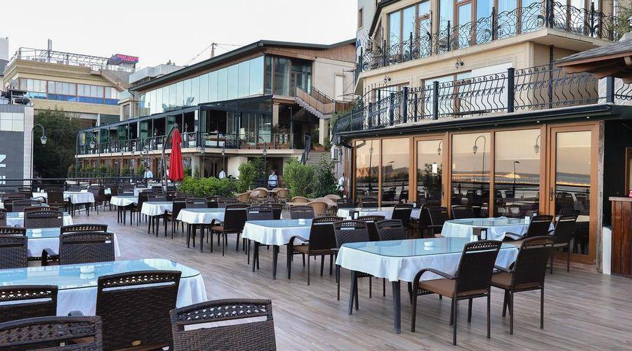 Riviera Hotel-3 of 32 photos