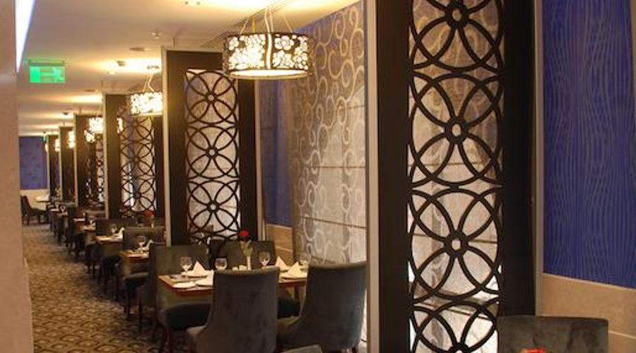 Gloria Al Madinah Al Fayroz Al Massi-6 of 20 photos