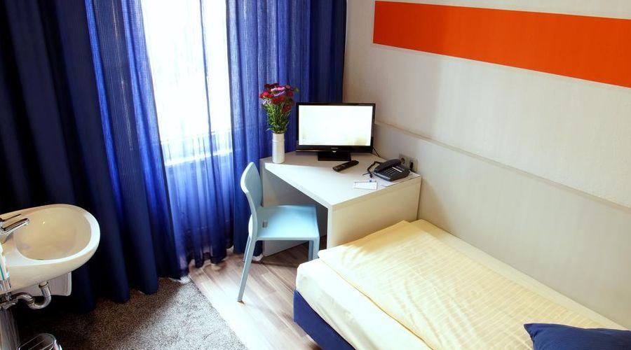 Colour Hotel-8 of 22 photos