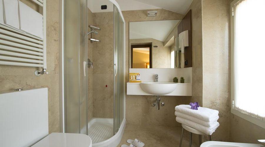 Hotel Fenice Milano-23 of 39 photos