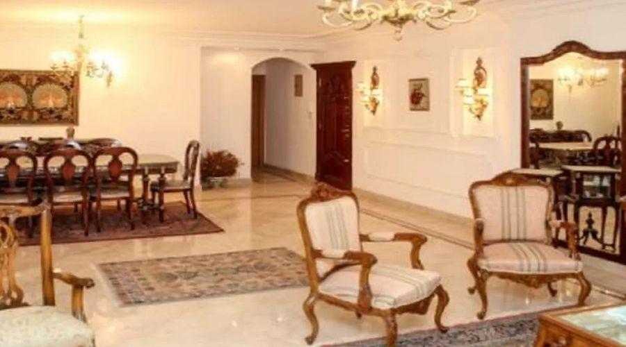 Alexandria house Mohamed Naguib-1 of 13 photos