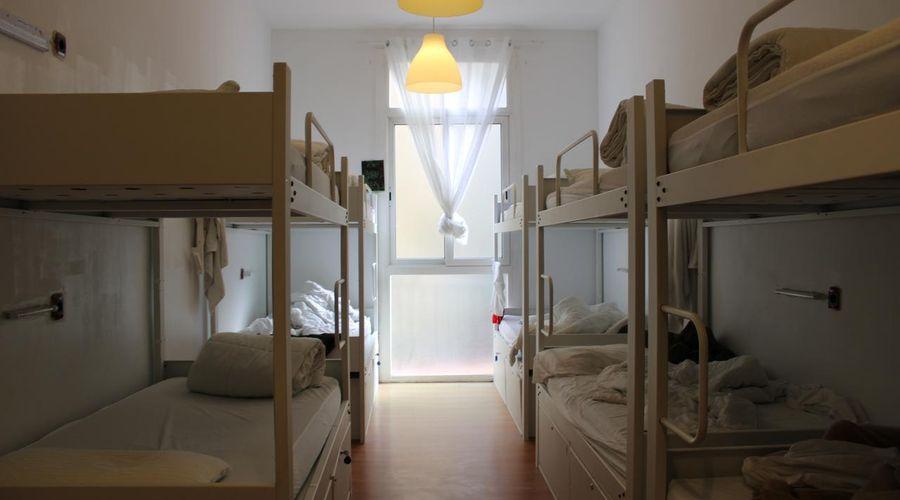 بيت شباب ميديتيرانيان برشلونة-13 من 25 الصور