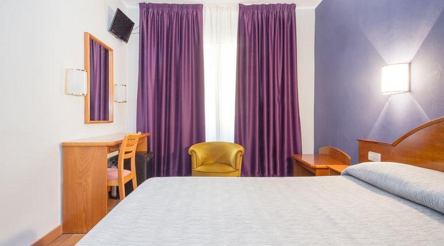 Hotel Cortes-2 من 30 الصور