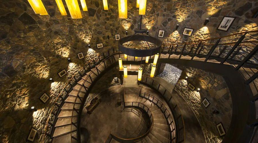 Universal's Loews Sapphire Falls Resort-11 of 33 photos