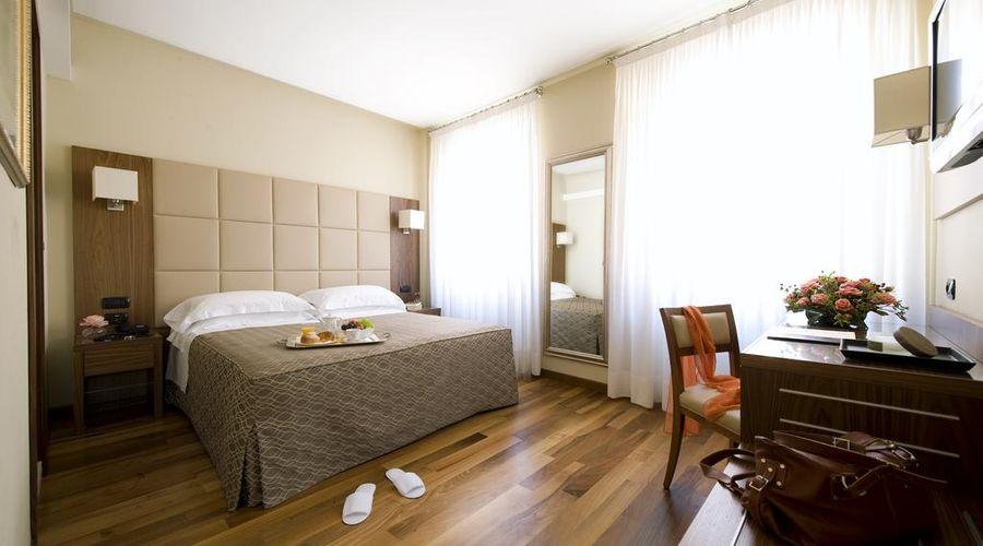 Hotel Fenice Milano-5 of 39 photos