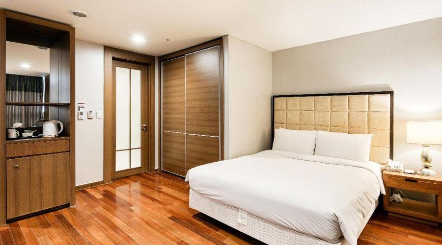 Ramada Hotel & Suites by Wyndham Seoul Namdaemun-16 of 25 photos