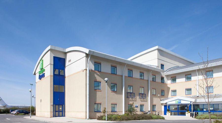 Holiday Inn Express Cardiff Airport, An IHG Hotel-1 of 21 photos