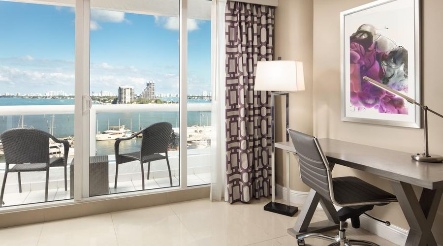 DoubleTree by Hilton Grand Hotel Biscayne Bay-2 of 25 photos