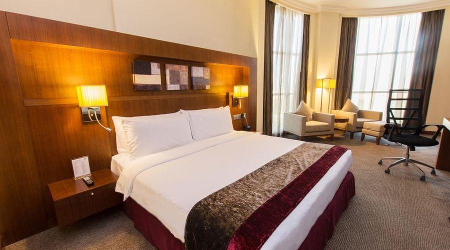 Holiday Inn Abu Dhabi-22 of 32 photos