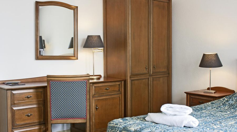 Hotel Prins Hendrik-3 of 20 photos