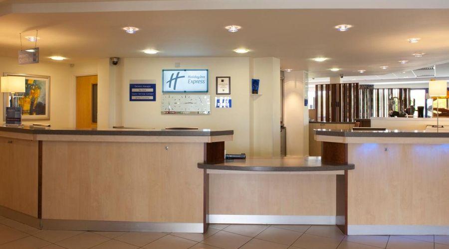 Holiday Inn Express Cardiff Airport, An IHG Hotel-3 of 21 photos