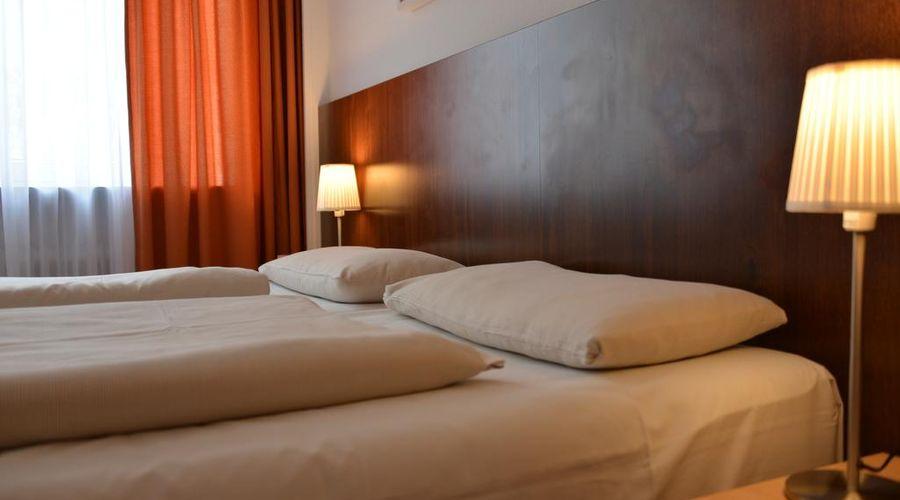 Hotel Italia-12 of 30 photos