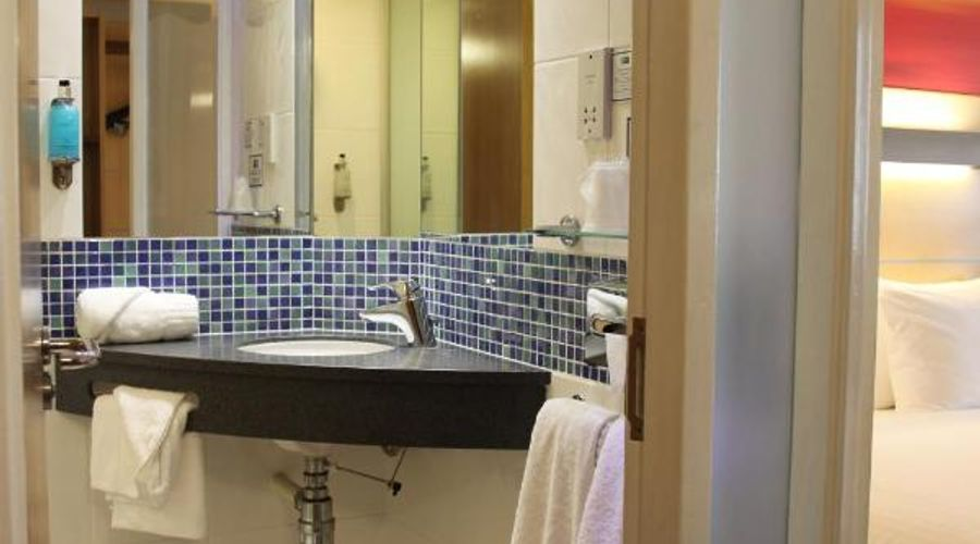Holiday Inn Express Cardiff Airport, An IHG Hotel-15 of 21 photos