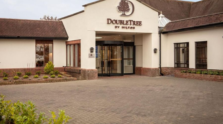 DoubleTree by Hilton Oxford Belfry-1 of 37 photos