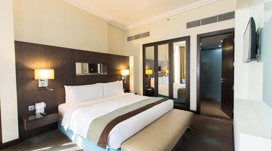 Holiday Inn Abu Dhabi-2 of 32 photos