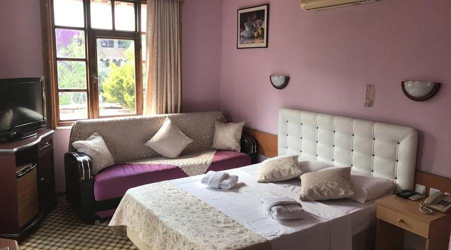 Hotel Karyatit-5 of 39 photos