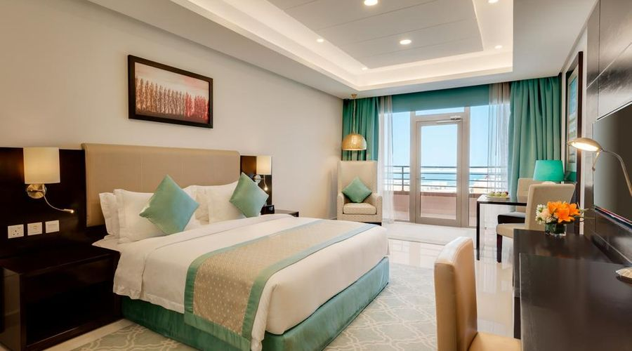 Ramada Hotel and Suites Amwaj Islands-6 of 25 photos