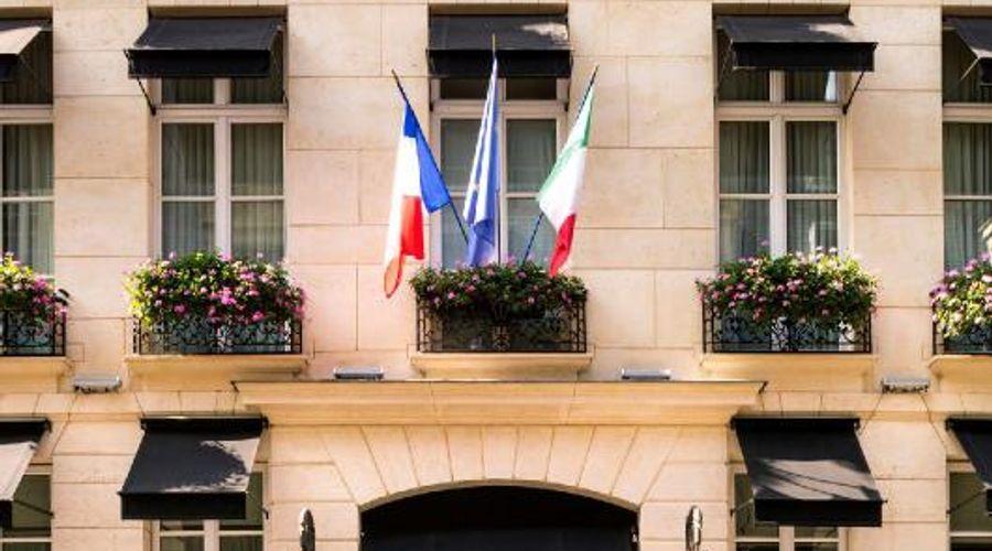 كاستي باريس - ستارهوتلز كوليتسيونيه-1 من 24 الصور