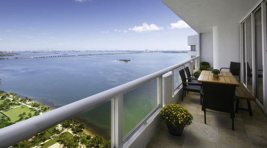 DoubleTree by Hilton Grand Hotel Biscayne Bay-1 of 25 photos