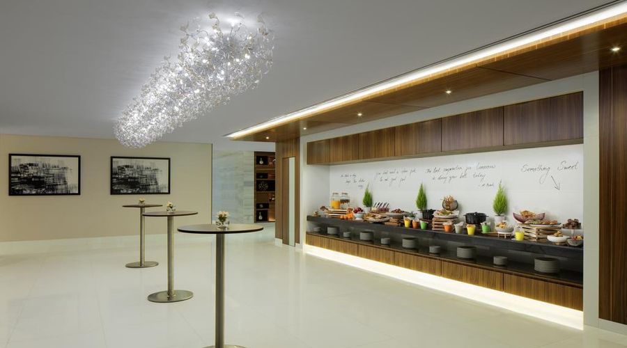 Radisson Blu Hotel, Dubai Waterfront-15 of 35 photos